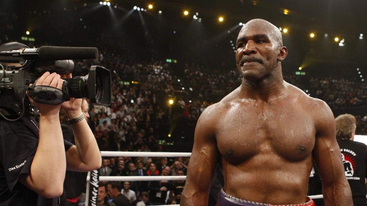 Холіфілд потужно готується до повернення на ринг: відео блискавичного тренування