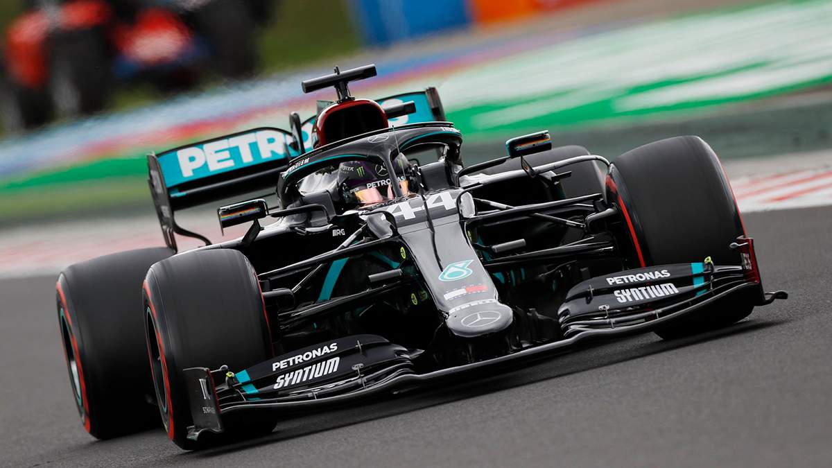 Формула-1: Хэмилтон с гигантским преимуществом выиграл гран-при Венгрии Ферстаппен – второй