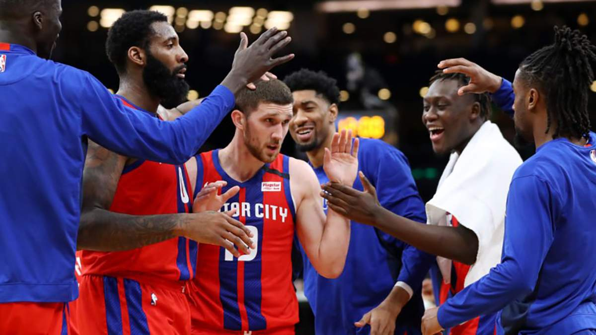 """Баскетболіст Святослав Михайлюк залишається в """"Детройті"""": стала відома нова зарплата українця"""