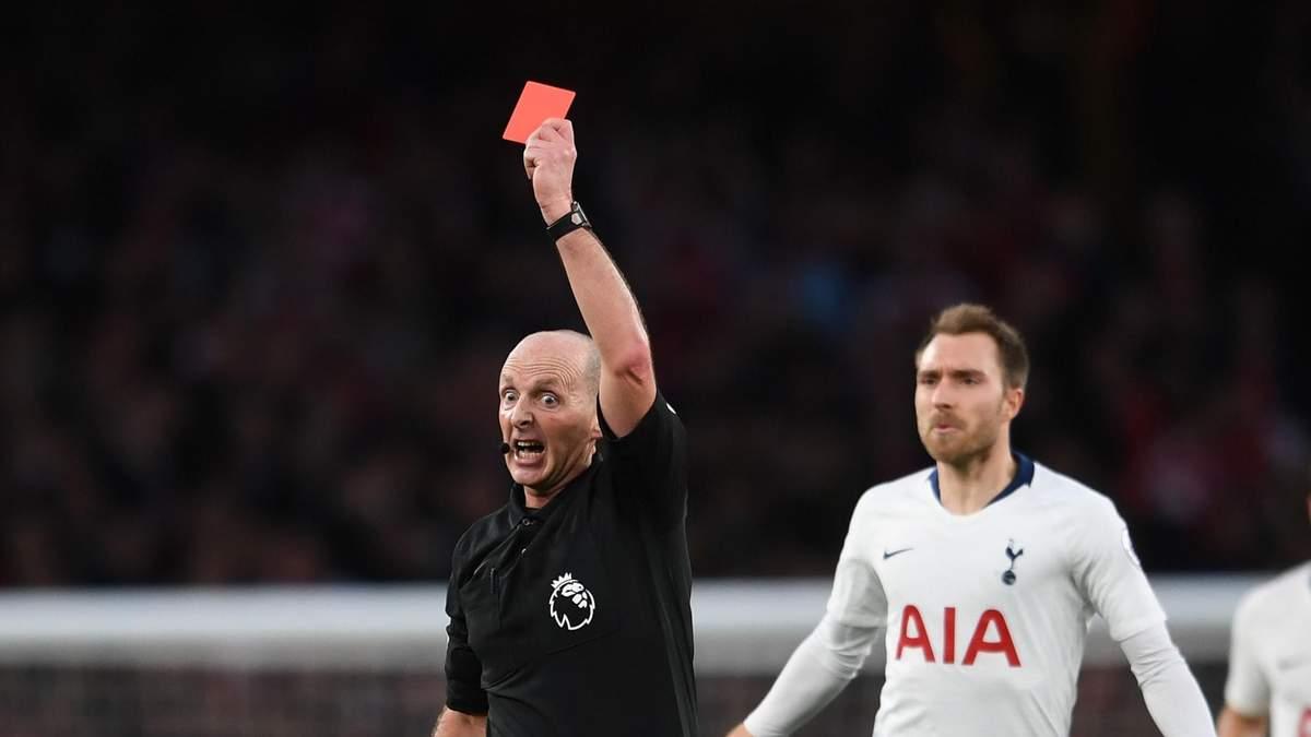 Судьям разрешили удалять футболистов, которые специально кашляют на соперника во время матча
