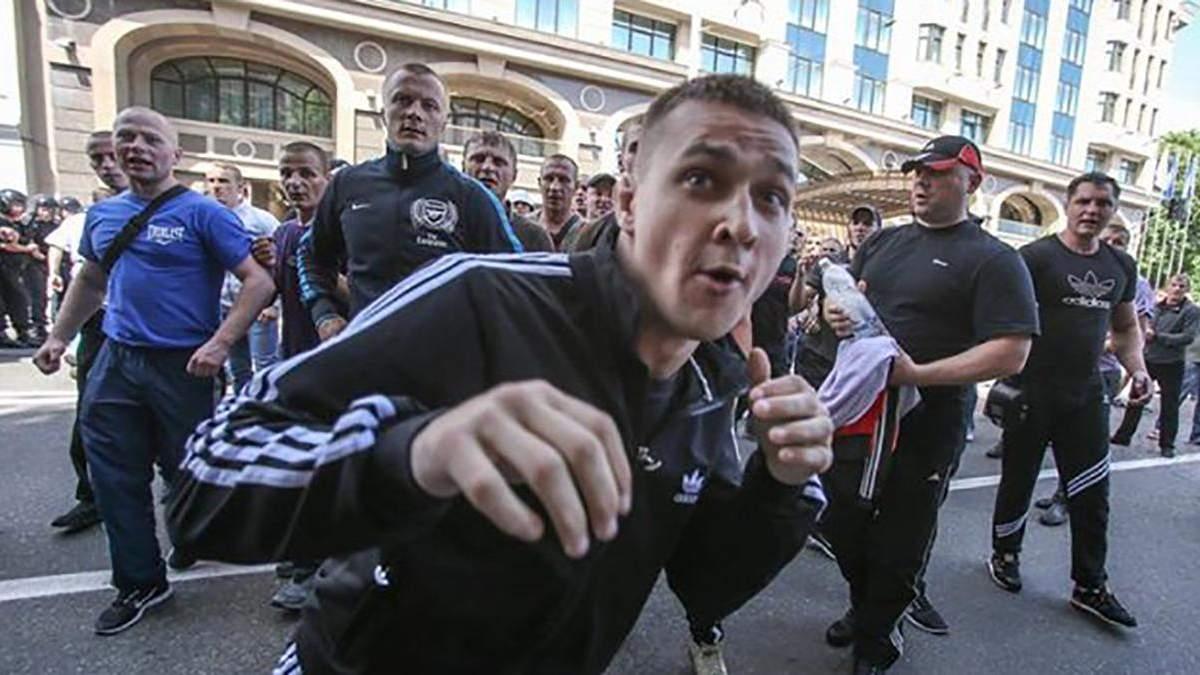 Вадим Тітушко під час нападу на журналістів в травні 2013 року