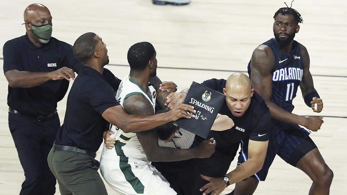 Баскетболисты НБА устроили хамскую драку на паркете