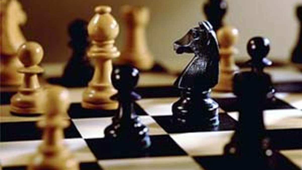 Шахова битва - гросмейстери проти аматорів