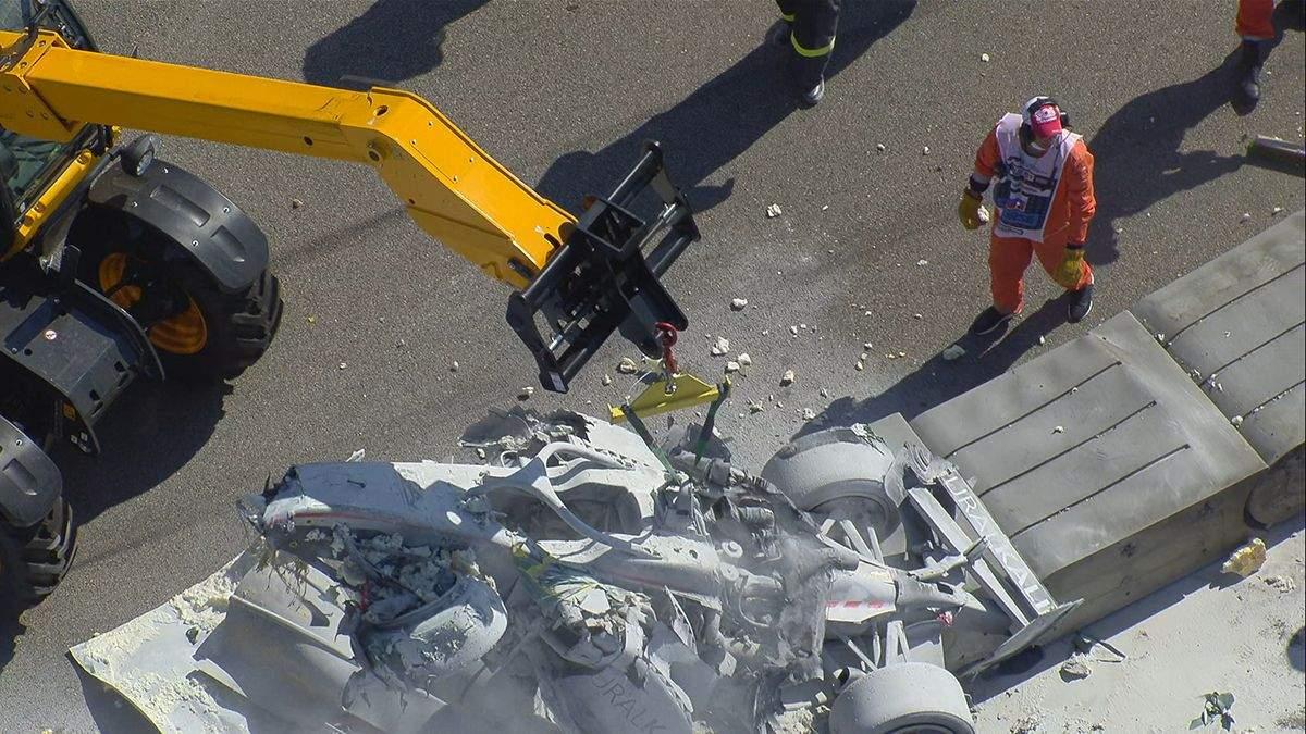 Пилоты Формулы-2 попали в жуткую аварию