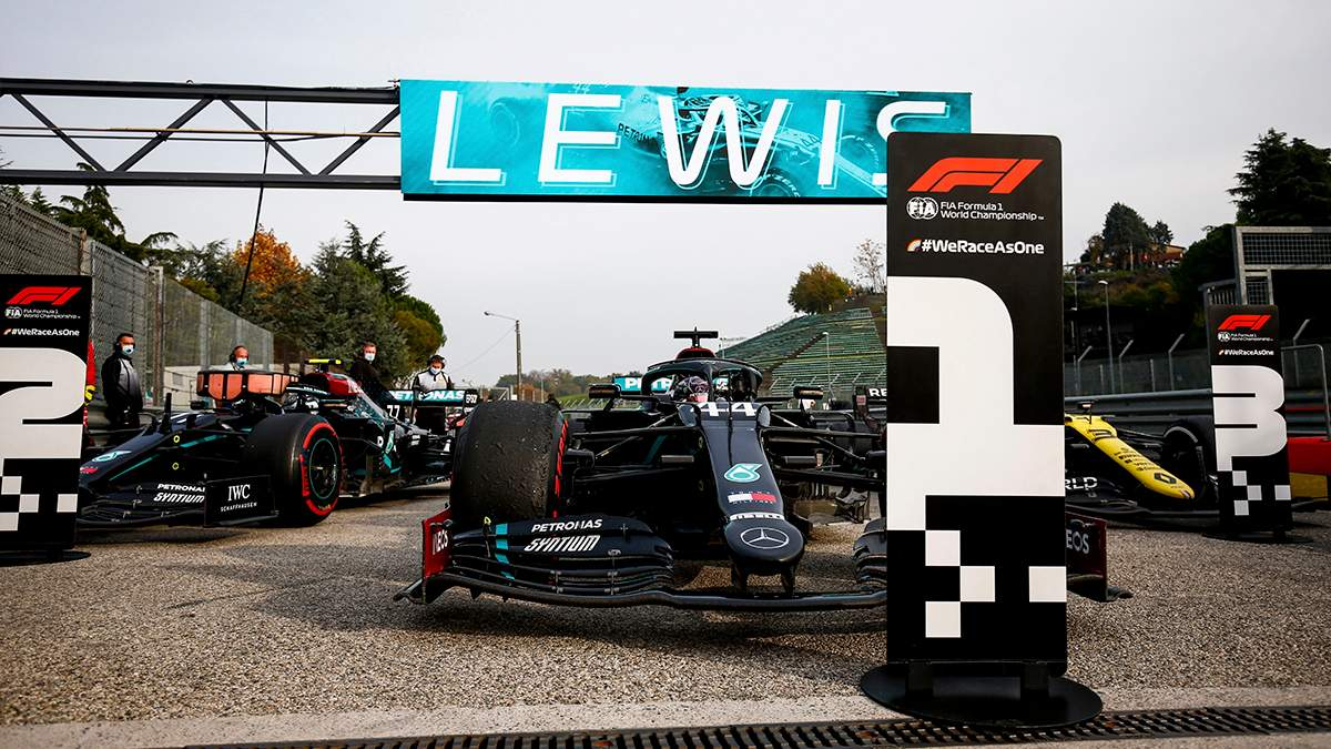 Mercedes в Імолі всьоме виграв Кубок конструкторів у Формулі-1
