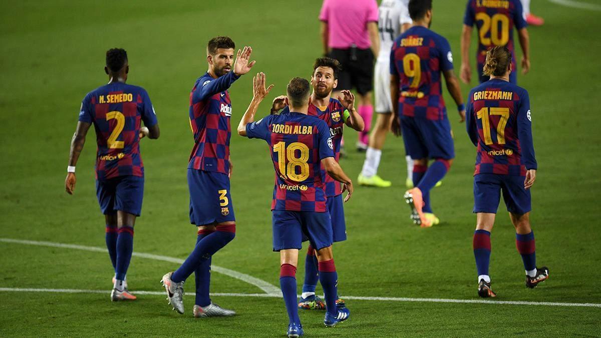 Барселона минимально обыграла Уэску после элегантной передачи Месси: видео