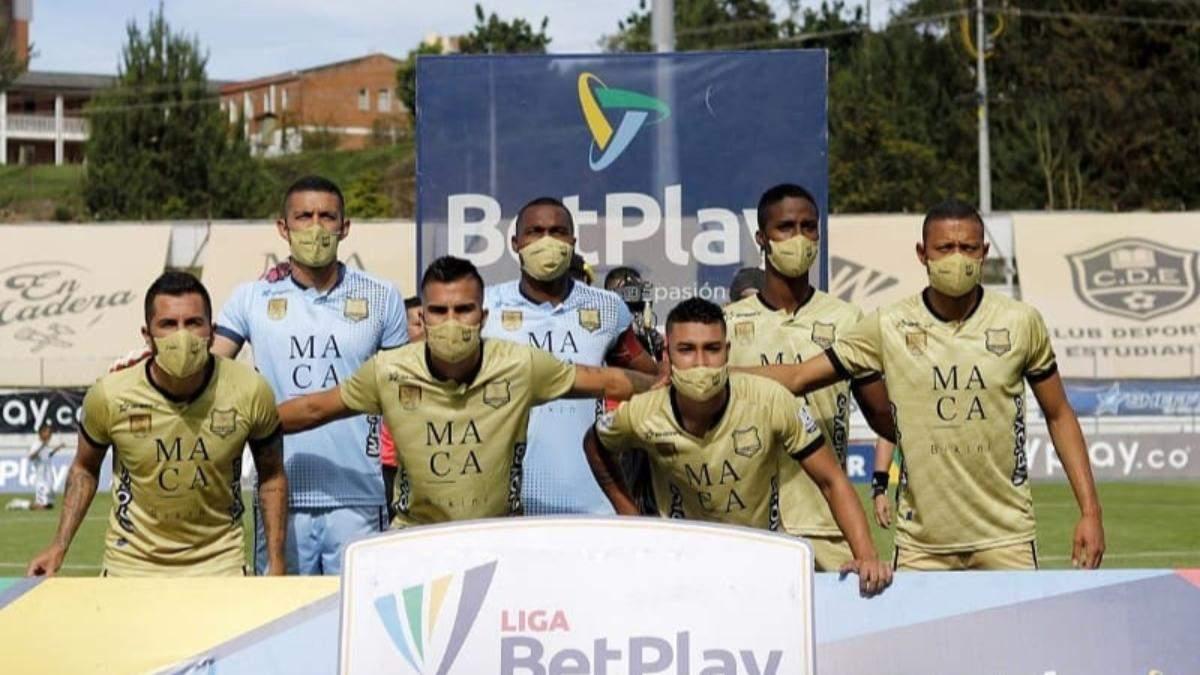В Колумбии команда смогла выставить на матч чемпионата только семь игроков