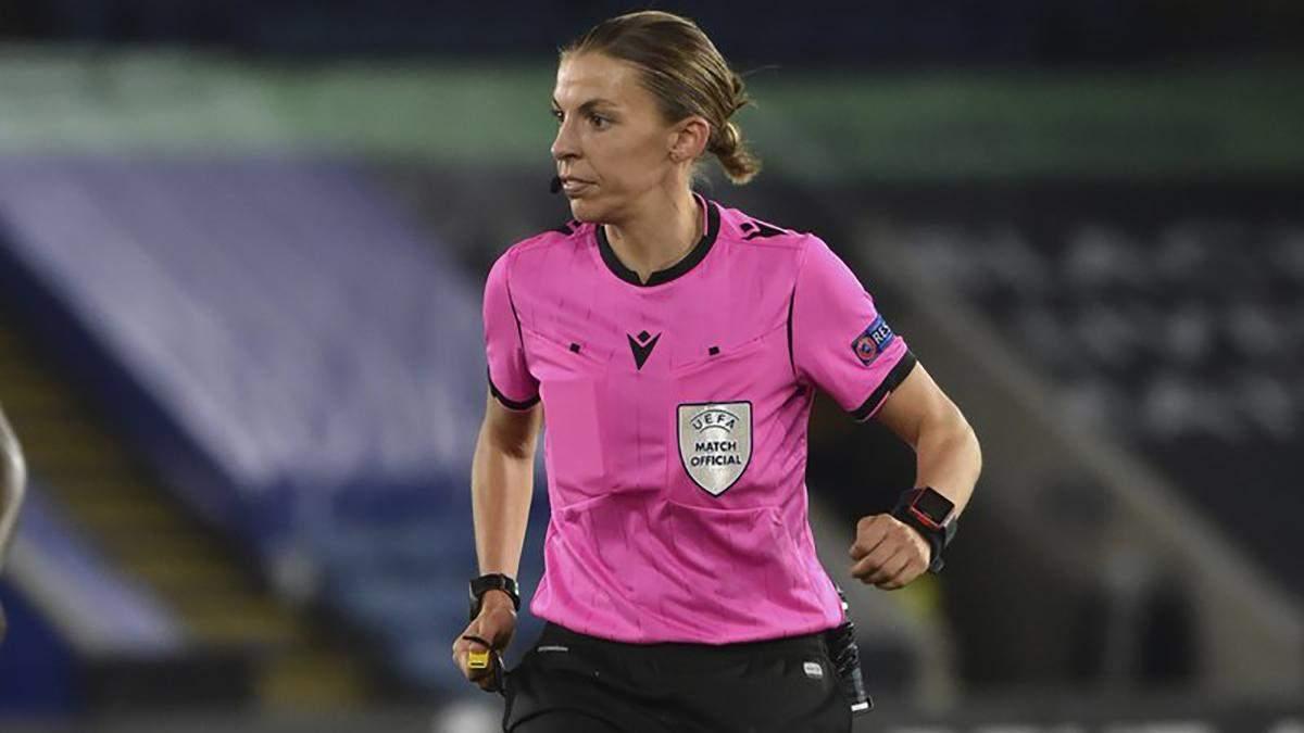 Жінка вперше працюватиме на чоловічому чемпіонаті Європи з футболу