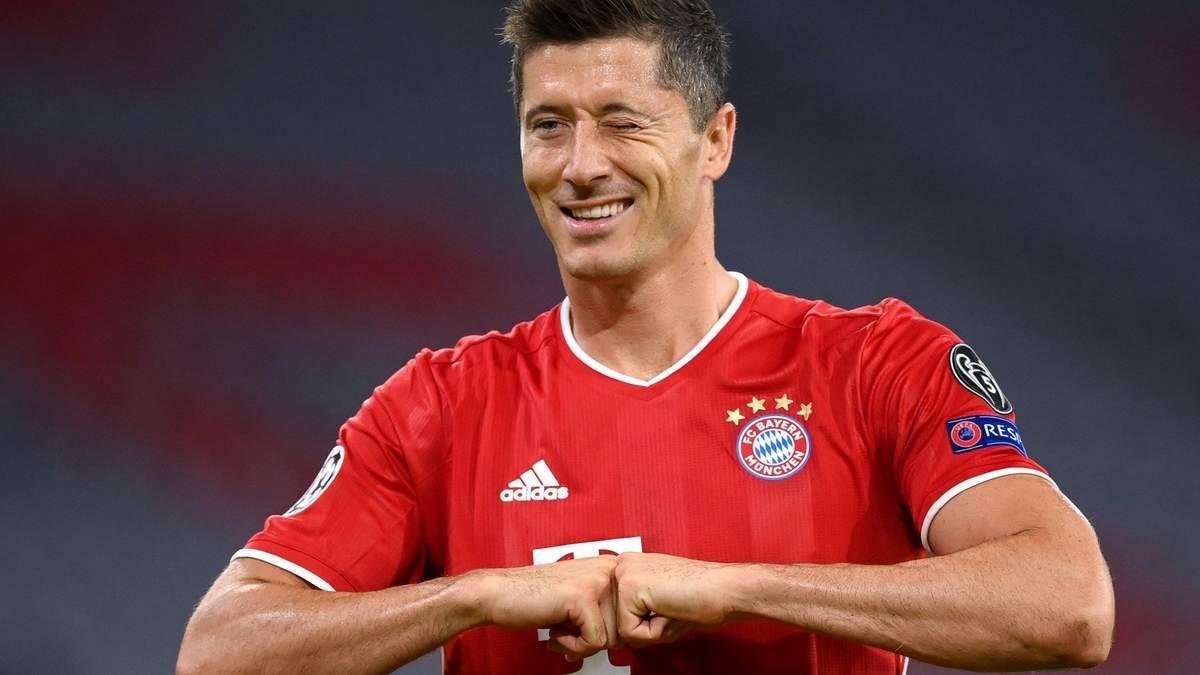 Бавария не отпустит забивного форварда Левандовского