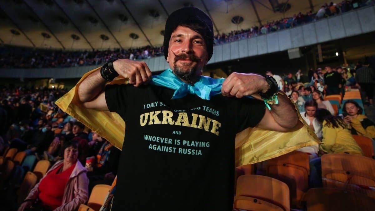 Поддерживаю Украину и любую сборную, что против России, - болельщик
