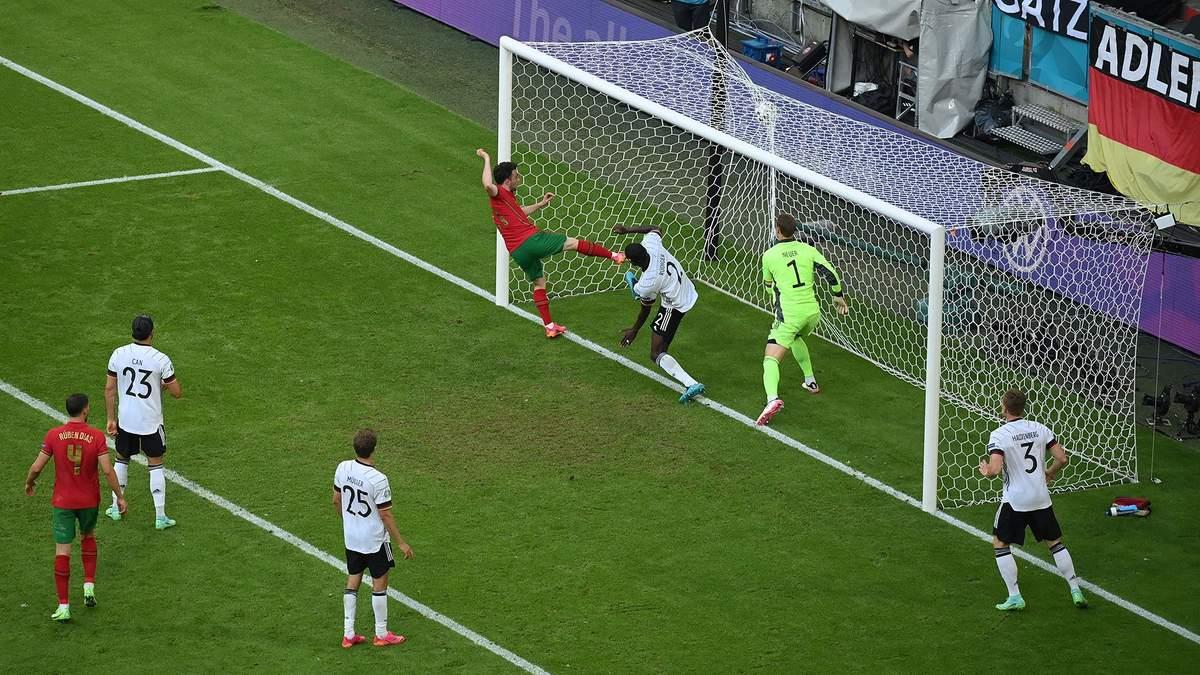 Диогу Жота забил гол в ворота Германии