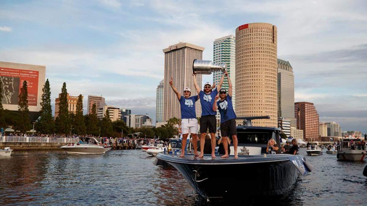 Победитель Кубка Стэнли проведет чемпионский парад на катерах