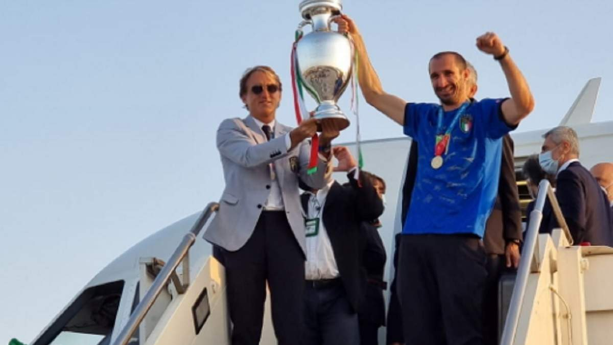 У Римі зустріли збірну Італії після фіналу Євро-2020: фото, відео