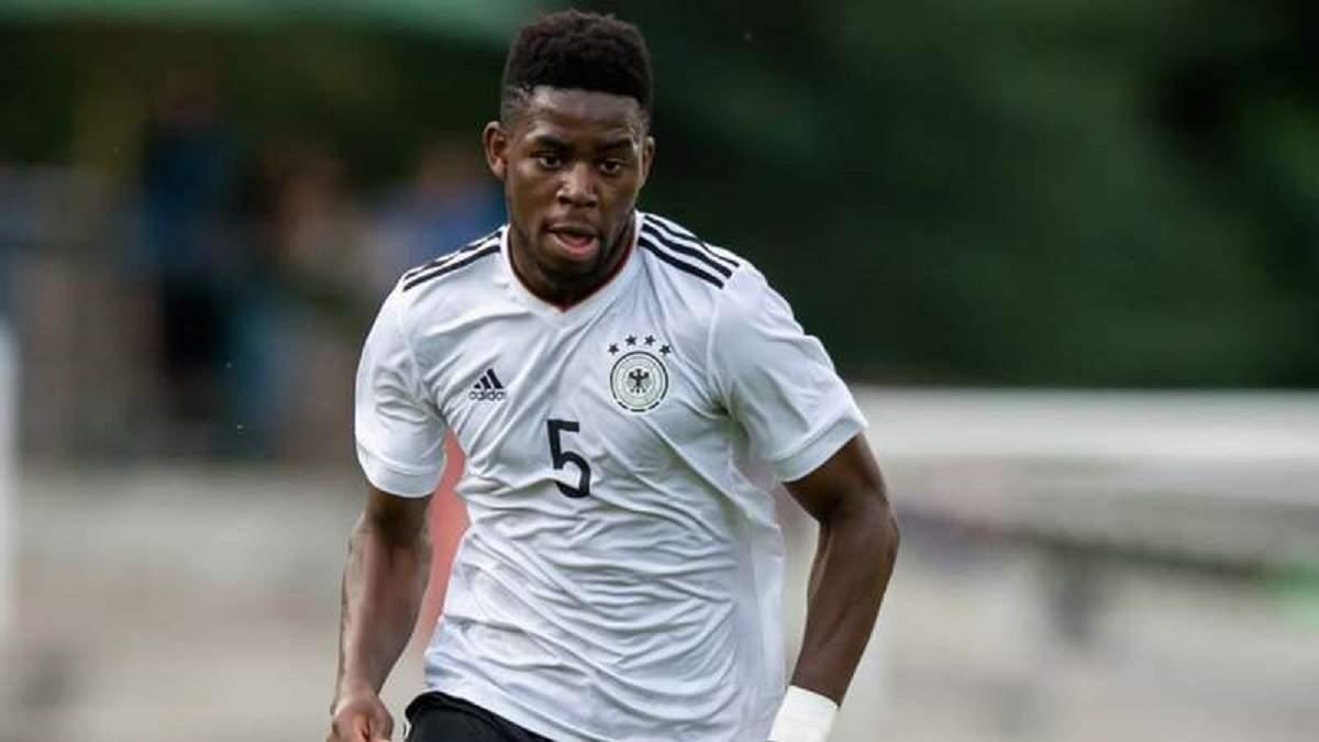 Снова расизм: олимпийская сборная Германии покинула поле из-за оскорблений соперника