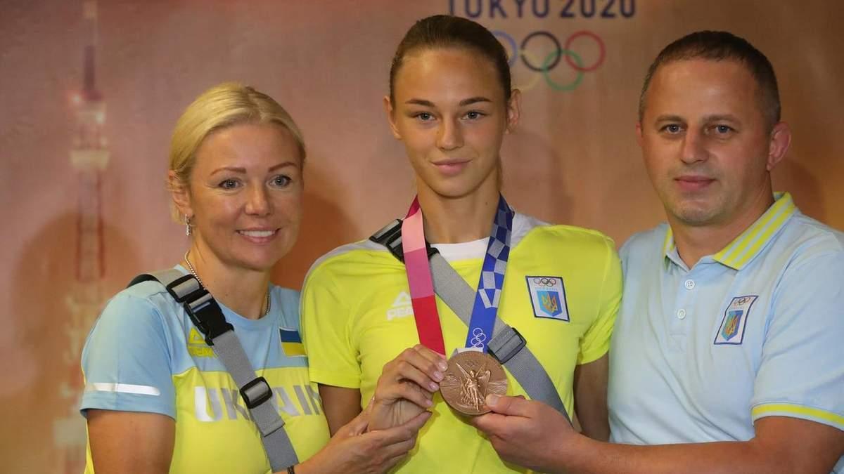 Дария Билодид вернулась в Украину с Олимпиады 2020: фото
