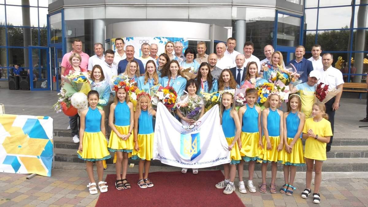 Українські синхроністки повернулися до Харкова з Олімпіади