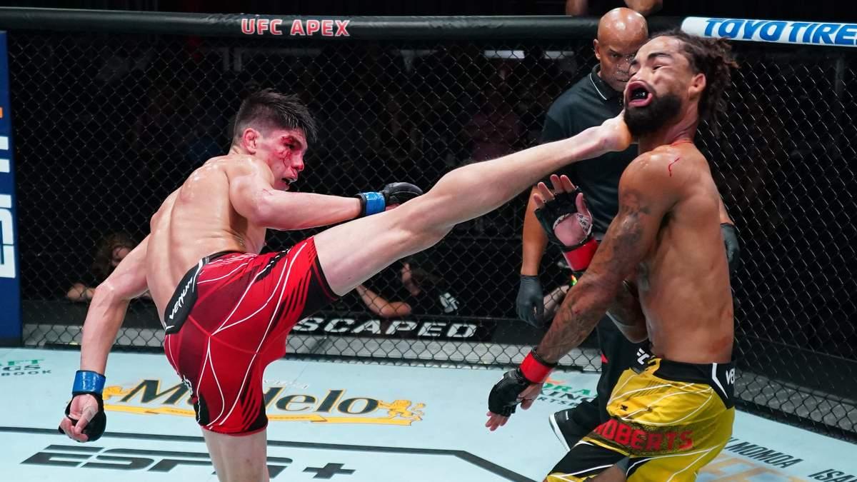 Удар ногою з розвороту: ефектний нокаут на UFC Vegas 34 може стати найкращим в році – відео - Новини спорту - Спорт 24