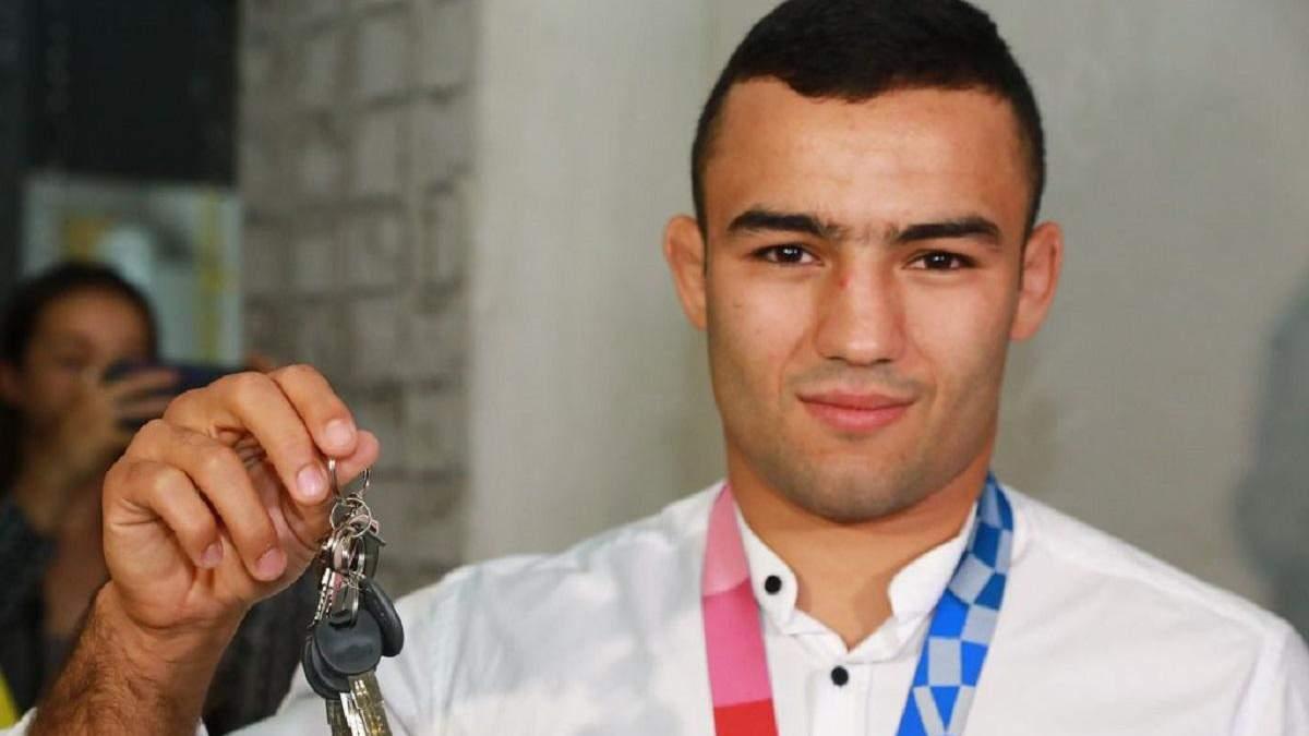У Запоріжжі призер Олімпійських ігор Насібов отримав омріяну квартиру: фото - Новини спорту - Спорт 24