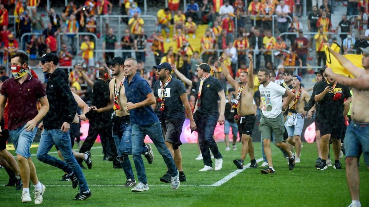 Фанат мастурбував на трибунах під час матчу у Франції: за справу взялась поліція - Спорт 24