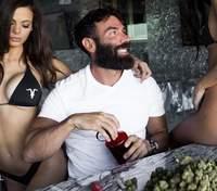 Американець, завдяки марихуані, відбиває гроші, які програв у покер