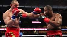 Американский боксер избежал поражения, побывав в сокрушительных нокдаунах: видео