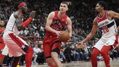 Українець Михайлюк дебютував за нову команду НБА з домашньої поразки