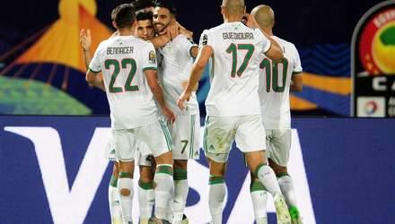 КАН: Мадагаскар сенсаційно вийшов в 1/4 фіналу, Алжир обіграв Гвінею (відео)