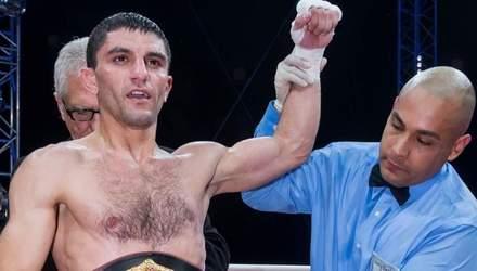 Українець Далакян виграв бій з поламаною рукою