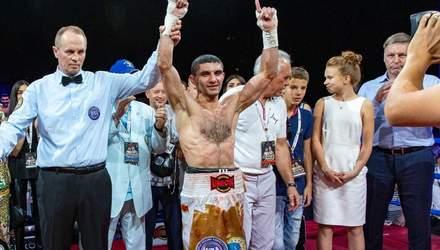 Український боксер Далакян проведе бій за титул WBC