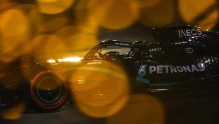 Формула-1: Хемілтон взяв поул у Бахрейні