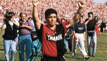 Аргентинский клуб решил продавать футболки Марадоны, в которой Месси получил штраф