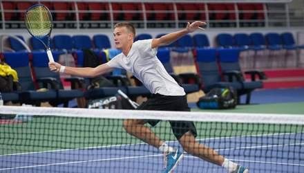 Дивне суддівство у дебютному фіналі українського тенісиста Сачка у Швейцарії: відео