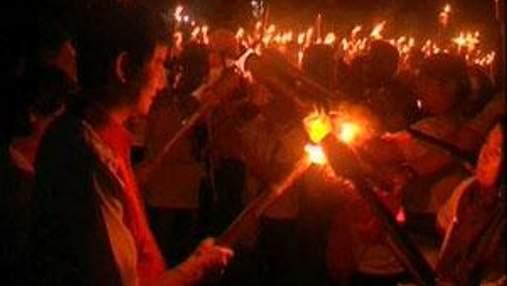 Индонезийцы устроили самый факельный поход в мире