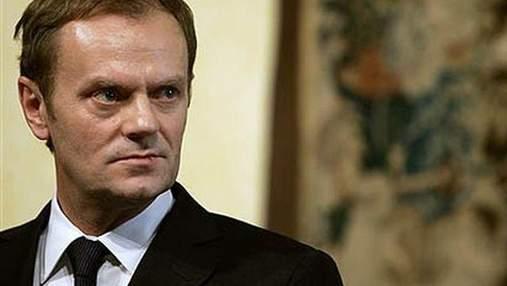 Туск: Лукашенку має бути соромно їхати на Євро-2012