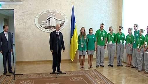 Під час ЄВРО-2012 у приймаючих містах працювало 4,5 тис. волонтерів
