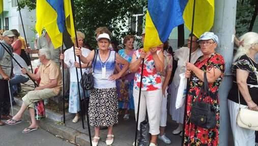 К Януковичу пришли поблагодарить за ЕВРО-2012
