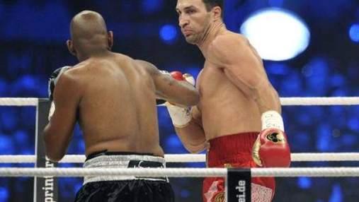 """Кличко """"поклав"""" Томпсона на рингу"""