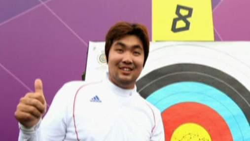 Близорукий Им Дон Хюн установил мировой рекорд по стрельбе из лука