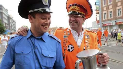 Опрос: В Украину вернулась бы только треть гостей ЕВРО-2012