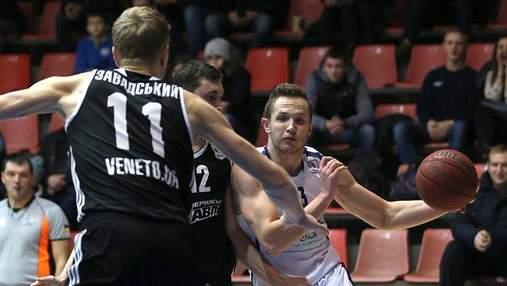 В чемпионате Украины по баскетболу — троевластие