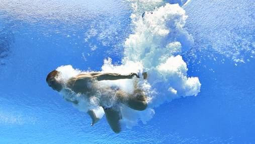 Черговий курйоз з росіянами: під стрибуном у воду зламалась вишка