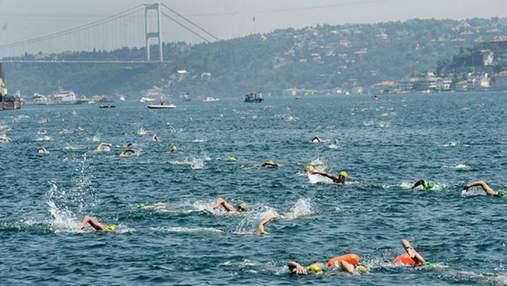 400 украинцев зарегистрировались в заплыве через пролив Босфор, соединяющий Азию и Европу