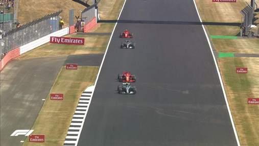 Формула-1: Феттель виграв гонку, Хемілтон відіграв 16 позицій після зіткнення (відео)