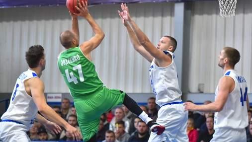 """Баскетбол: """"Запоріжжя"""" у напруженому матчі вирвало перемогу у """"Одеси"""""""
