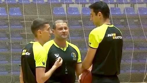 Три украинских арбитра были отстранены от судейства Суперлиги по баскетболу