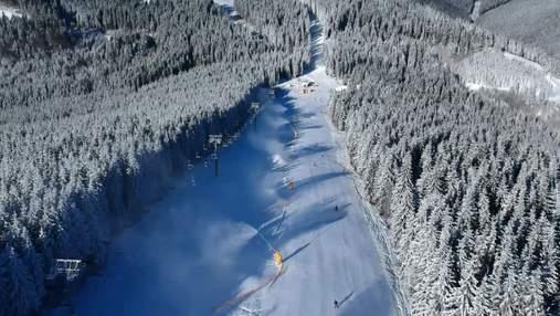 """Гірськолижний курорт """"Буковель"""" відкрив сезон катання"""