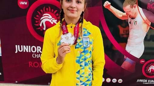Українка Акобія виборола золото на юніорському чемпіонаті Європи з боротьби