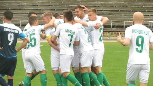 Фанати українського клубу змусили гравців зняти футболки після чергової невдачі: відео