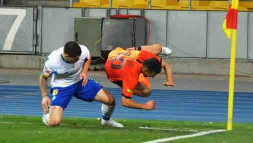 Динамо – Шахтер: фанаты киевлян изготовили футболки с эпическим моментом матча (фото)