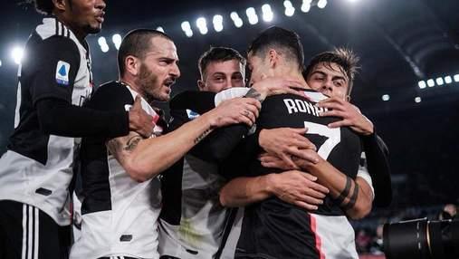 """Роналду снова оконфузился на тренировке """"Ювентуса"""" и запустил мяч в небо: видео"""